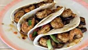 SmokingPit.com - Cajun Shrimp Tacos  Cookied on the Scottsdale Santa Maria style Grill. -  The Money Shot!