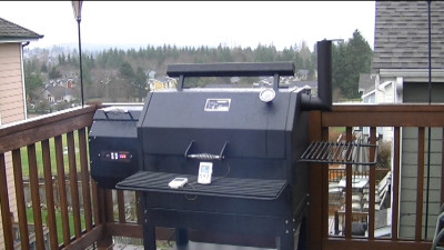 SmokingPit.com - Yoder YS640 Wood Pellet fired smoker & Grill available @ All Things BBQ http://www.atbbq.com bult by cooks built to last!